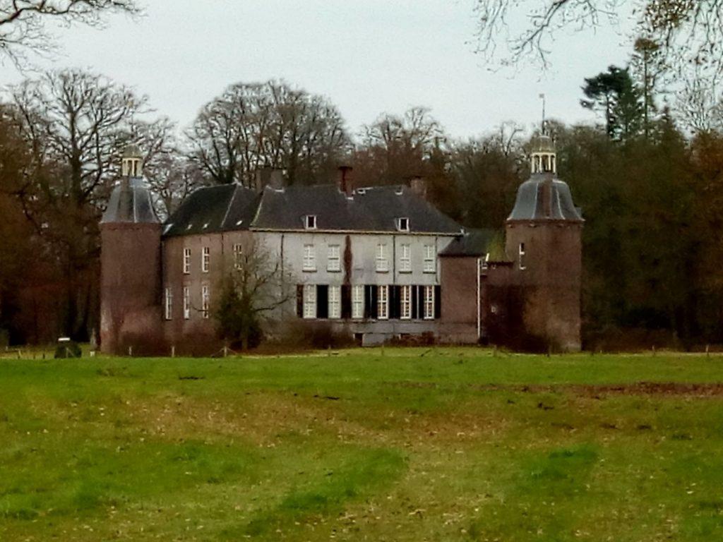 De achterkant van kasteel Hackfort