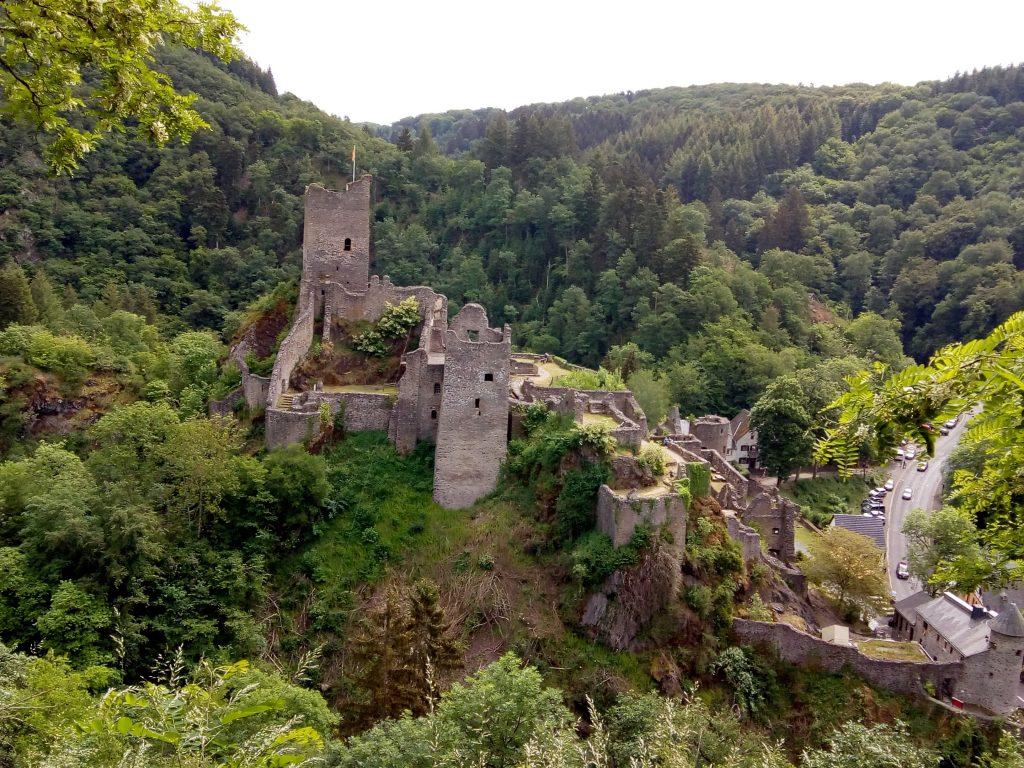 Mancherscheid burcht in de Eifel